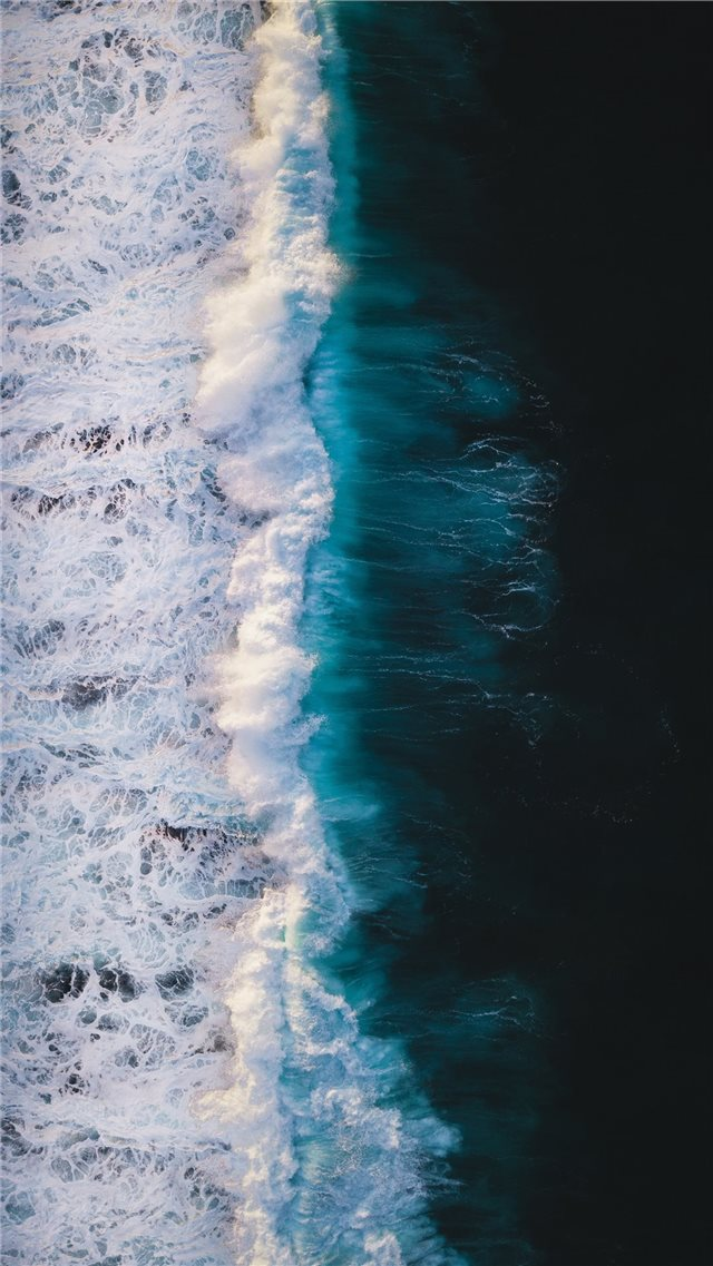 Ocean wave iPhone 8 wallpaper