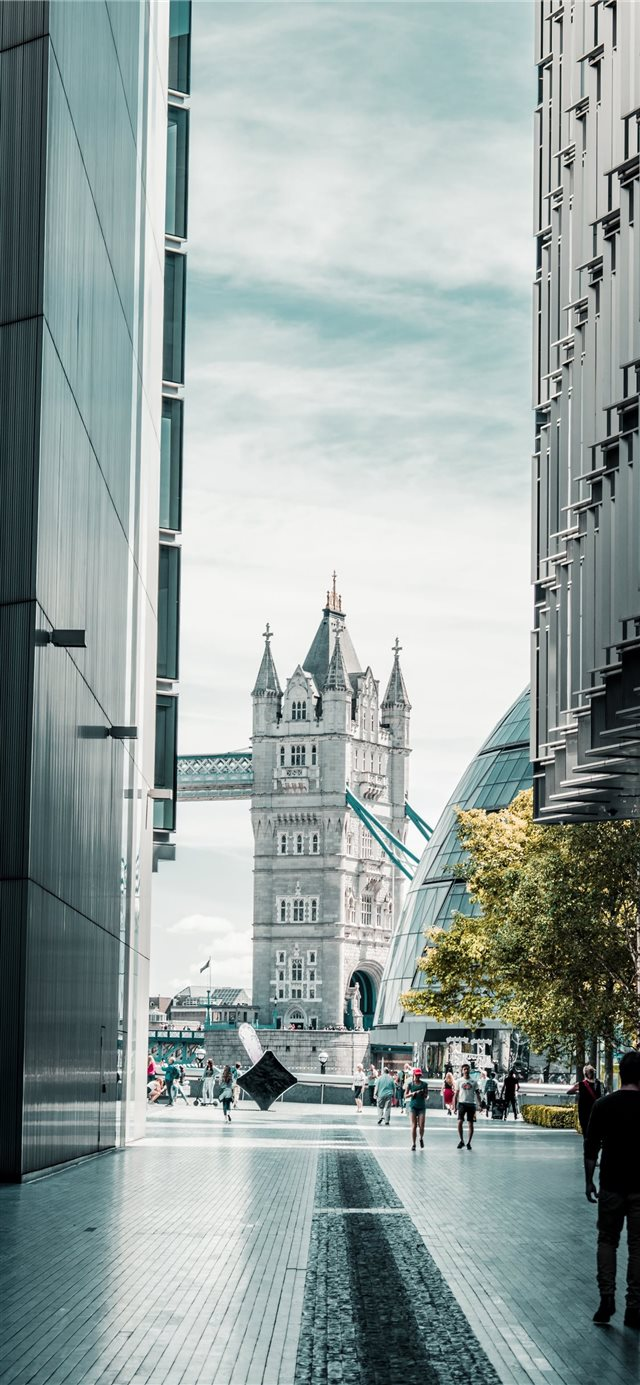 Tower Bridge   London  England iPhone X wallpaper