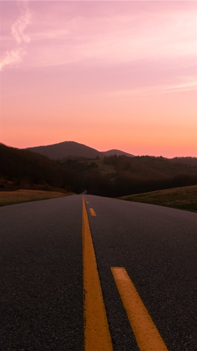 Blue Ridge Parkway iPhone 8 wallpaper
