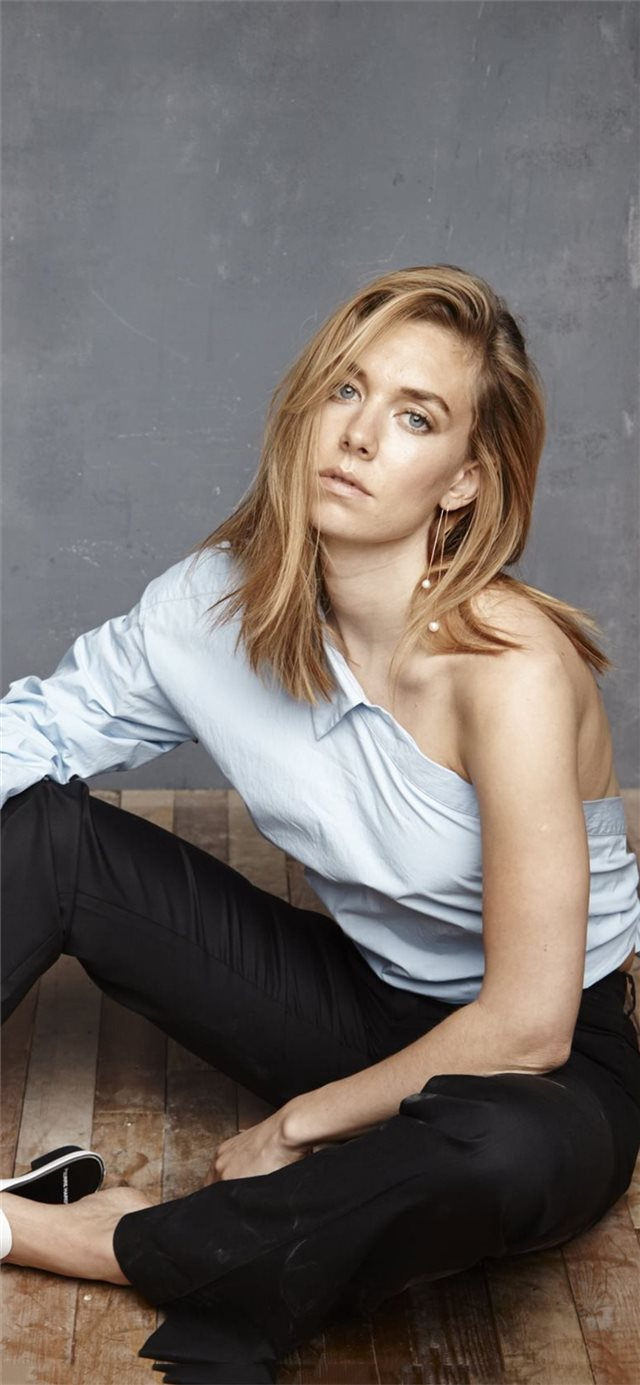 vanessa kirby 2019 iPhone X wallpaper