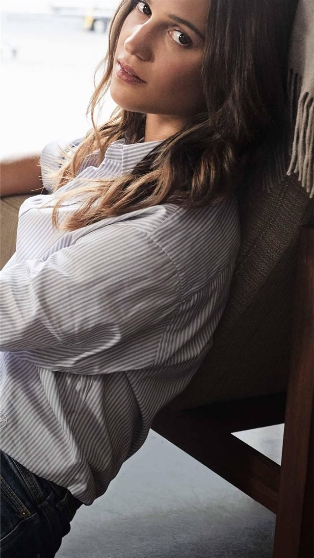 4k alicia vikander iPhone SE wallpaper
