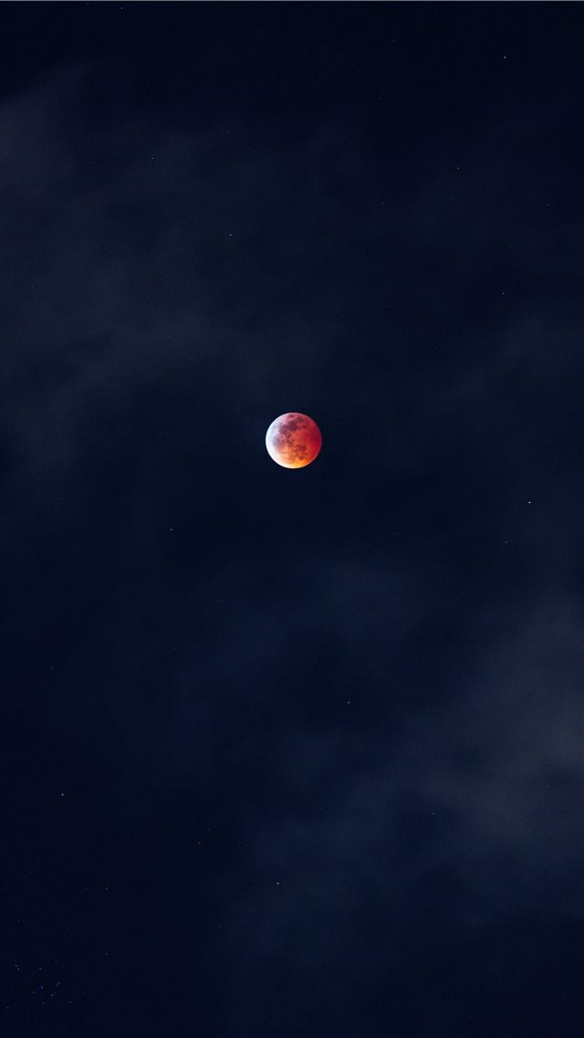 red and white full moon iPhone SE wallpaper