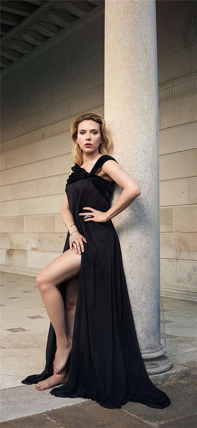scarlett johansson the hollywood reporter photosho... iPhone 11 wallpaper