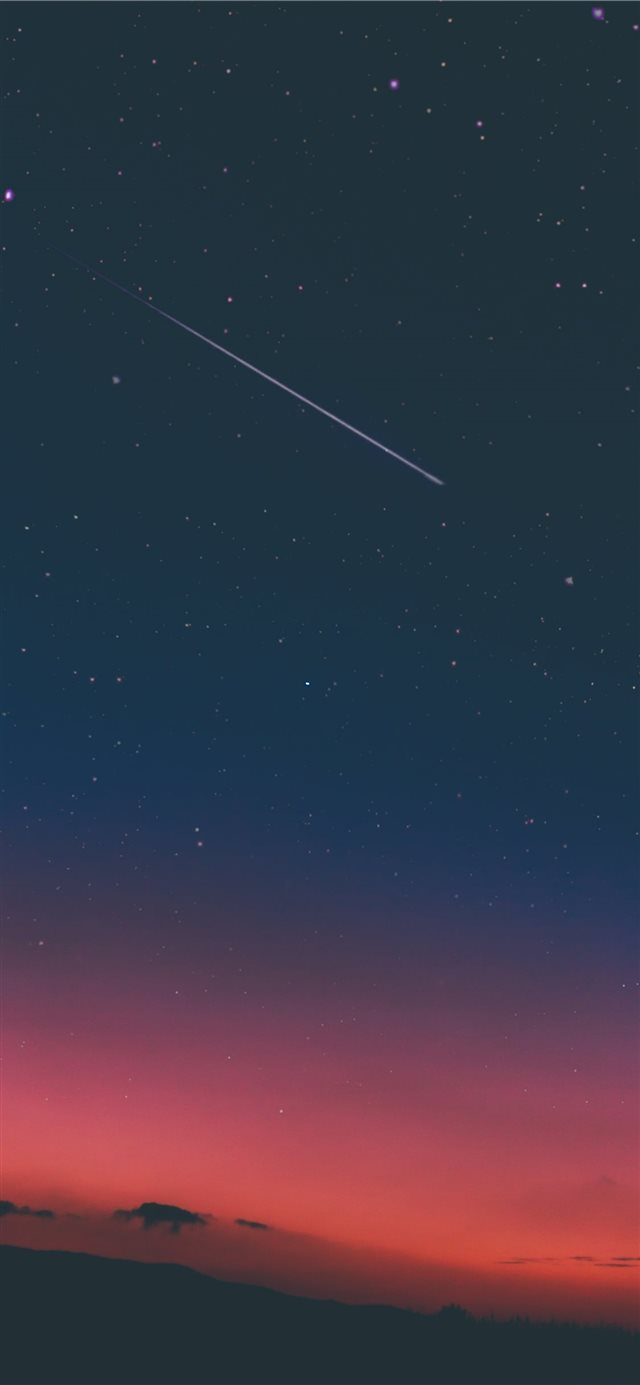 shooting star in night sky iPhone 11 wallpaper