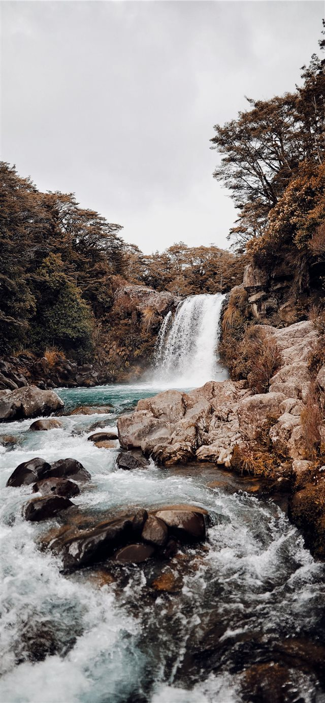 waterfalls photography iPhone 11 wallpaper