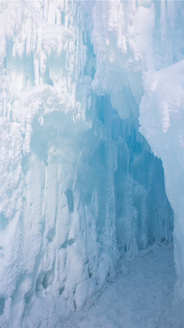 snow covered walls iPhone SE wallpaper