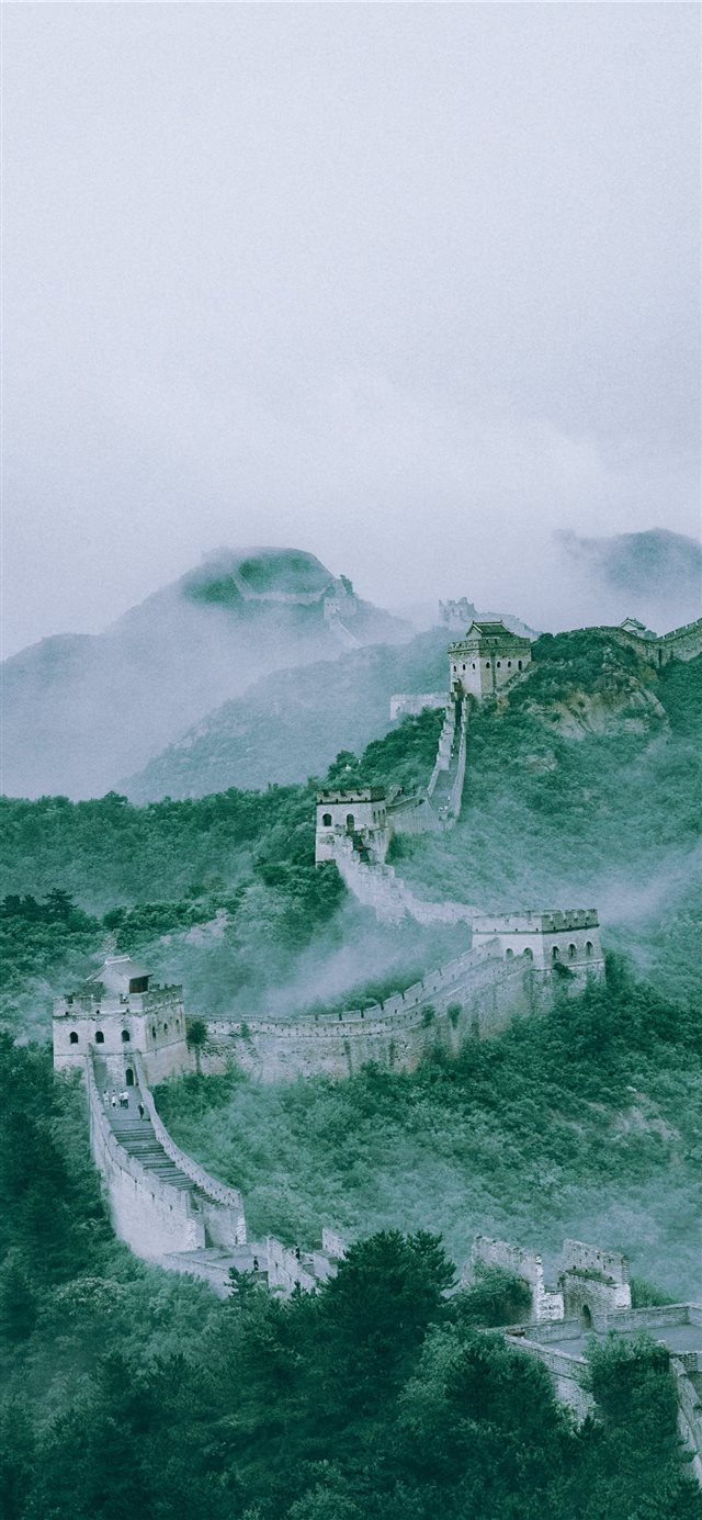 aerial photography of the Great Wall of China iPhone X wallpaper