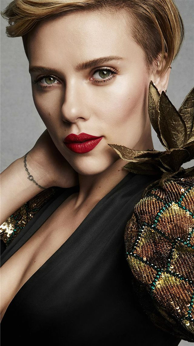scarlett johansson2020 new iPhone SE wallpaper