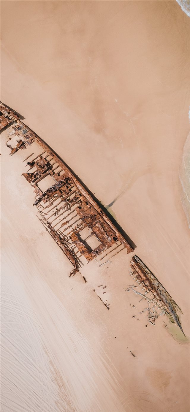 wrecked ship iPhone X wallpaper