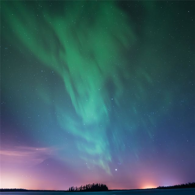 astotin lake northern lights 5k iPad Pro wallpaper