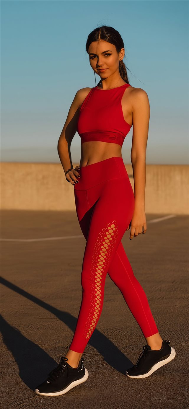 victoria justice fabletics photoshoot 2020 4k iPhone X wallpaper