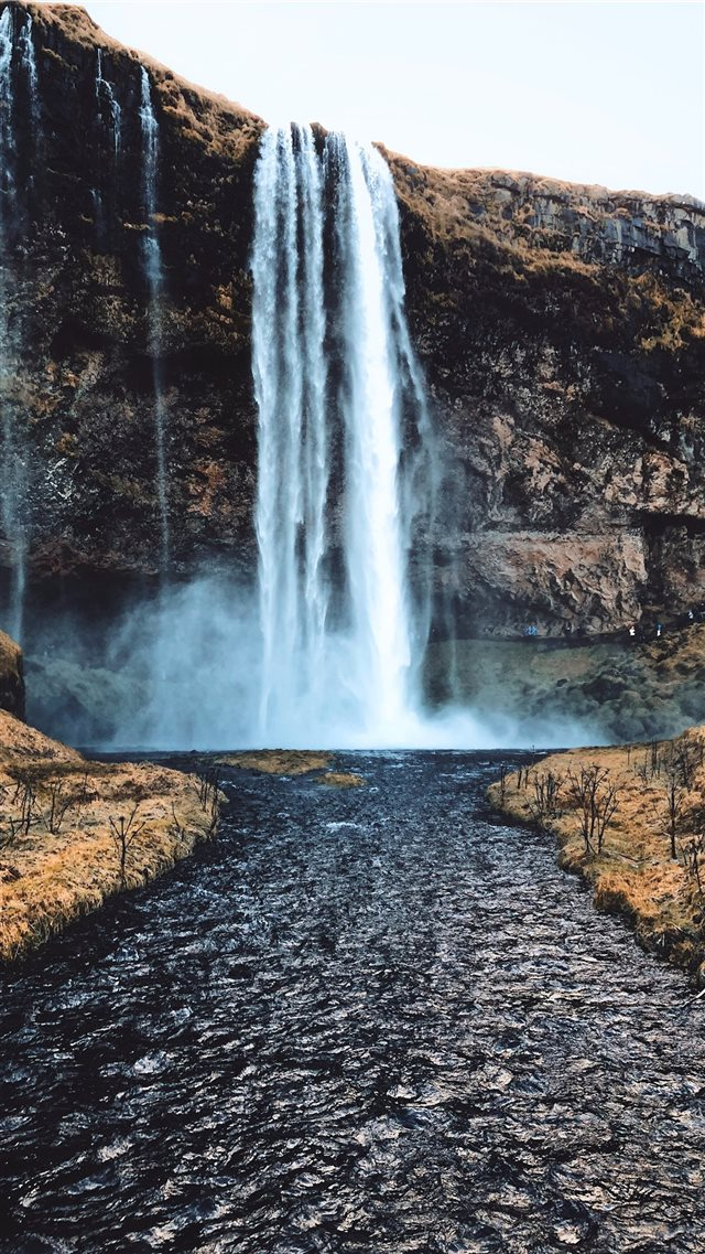 waterfalls at daytime iPhone SE wallpaper