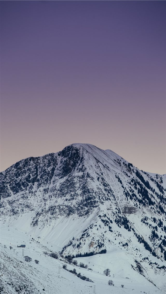 photo of mountain iPhone SE wallpaper