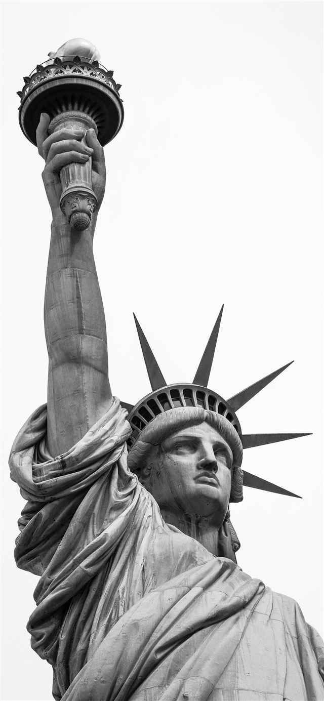 Statue of Liberty iPhone X wallpaper
