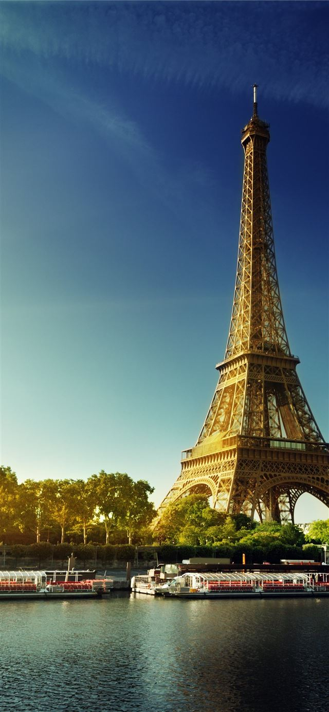 Of Paris posted by Michelle Tremblay iPhone 11 wallpaper