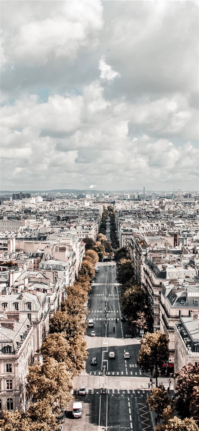 Paris iPhone 11 wallpaper