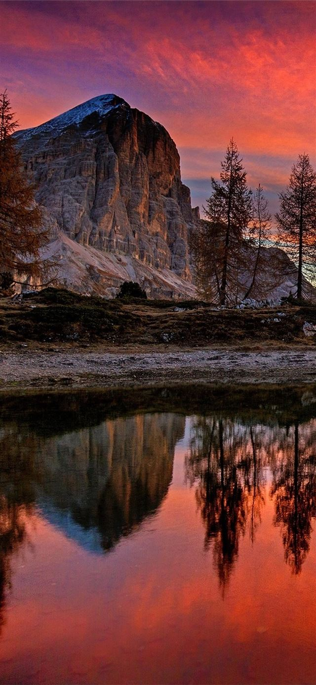 lago di limides italy mountains iPhone X wallpaper