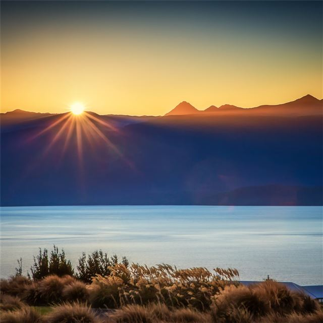 sun burst lake te anau 4k iPad Pro wallpaper